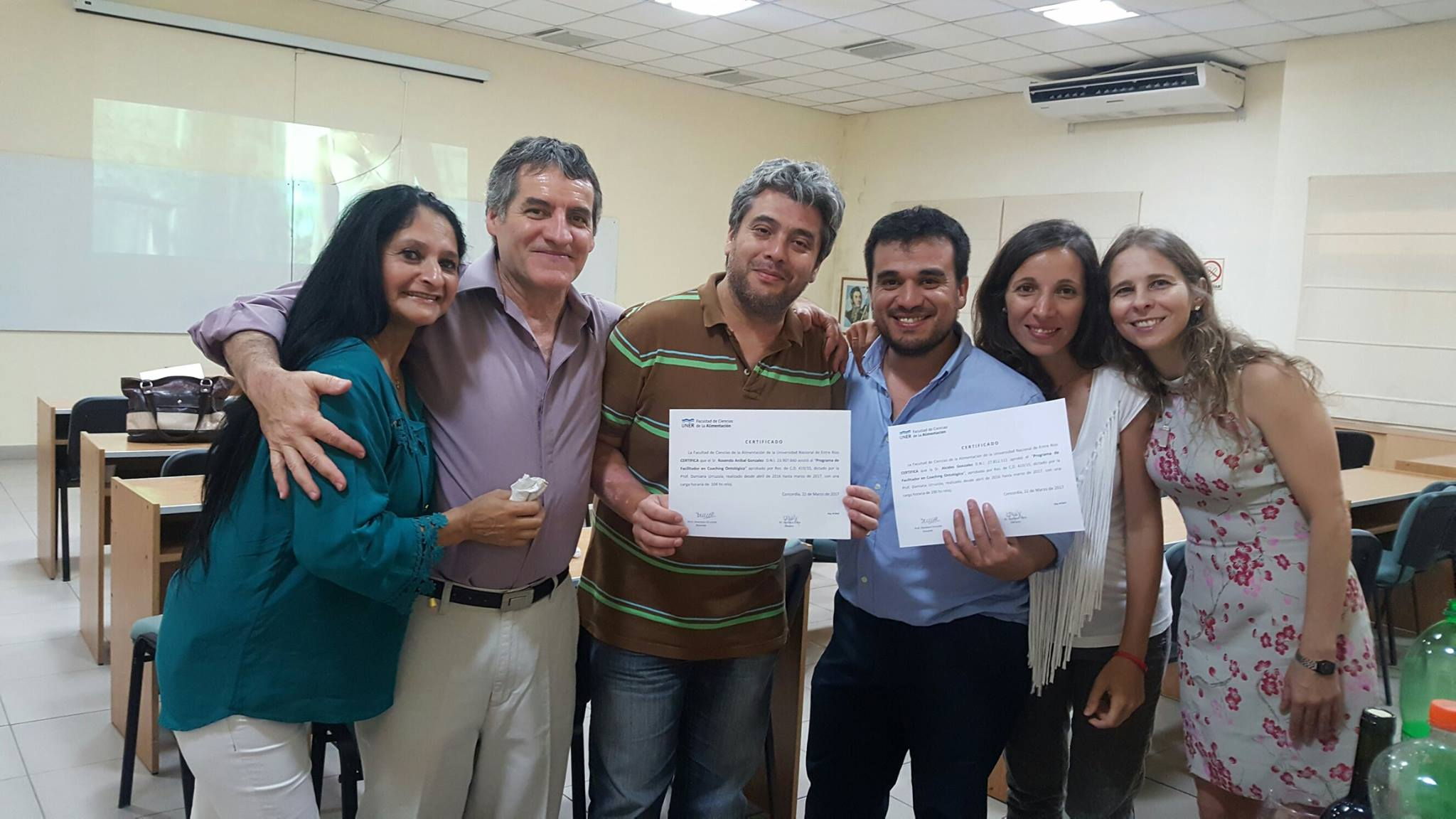 Entrega de Certificados del Curso de Facilitador en Coaching Ontológico 2da Edición. UNER.